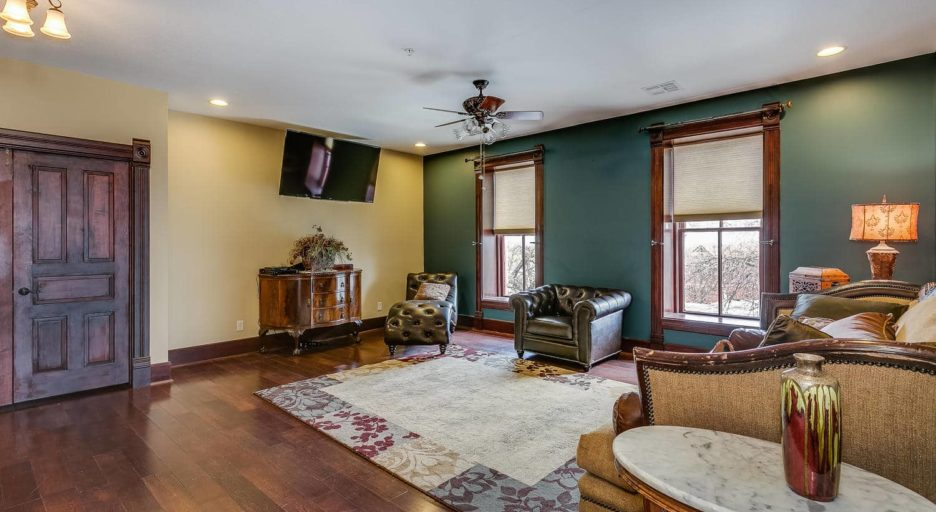 3 Bedroom Suite, Historic Elgin Hotel