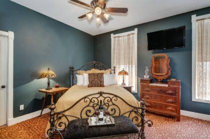 Suites, Historic Elgin Hotel