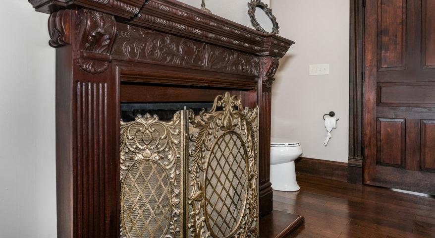 Suite 309 – Amelia Earhart Suite, Historic Elgin Hotel