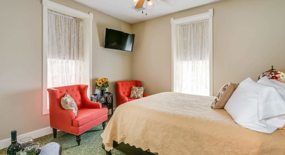 Suite 206 – The Tallgrass Prairie Suite, Historic Elgin Hotel