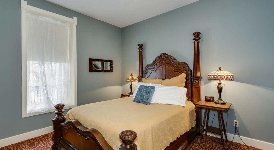 Suite 207 – The Wild West Suite, Historic Elgin Hotel
