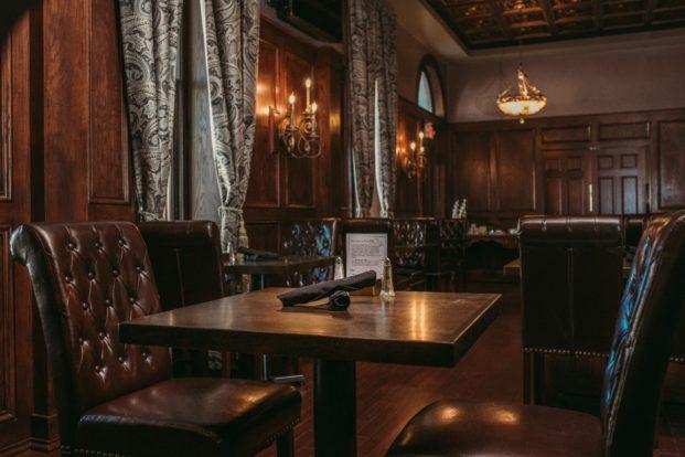 Parlour 1886, Historic Elgin Hotel